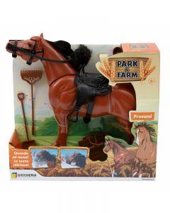 Cavallo Muove La Testa E Nitrisce - GGI190172